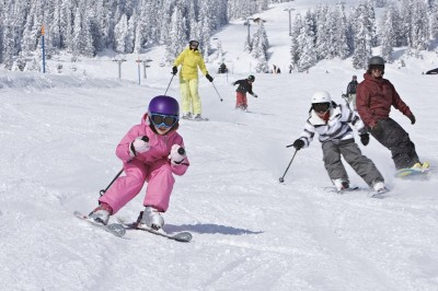 Organisng family skiing holiday