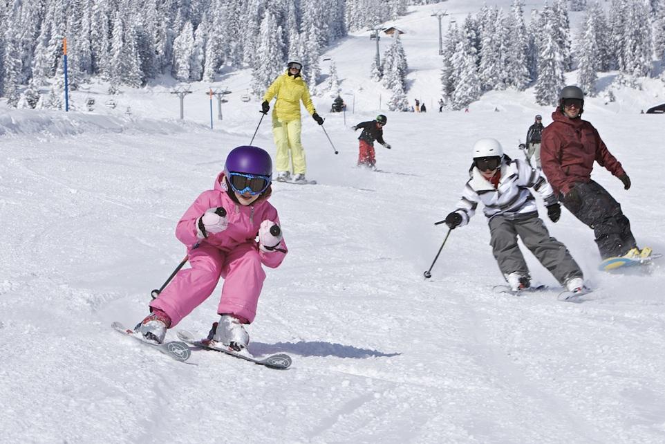 Organisng family skiing holiday